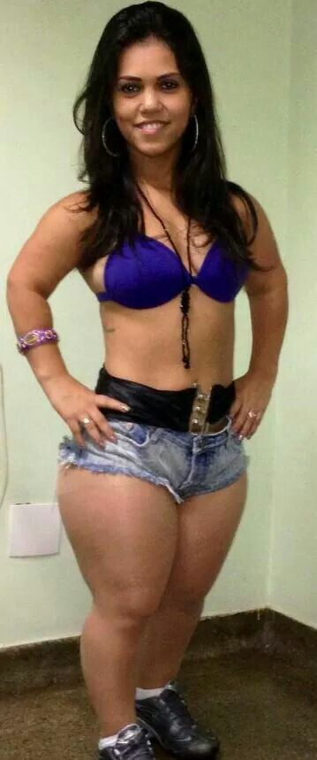 Bronze O. reccomend Midget ladies with full size