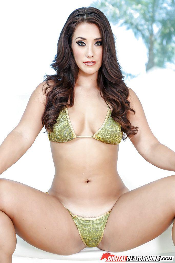 Lin ariel naked boobs