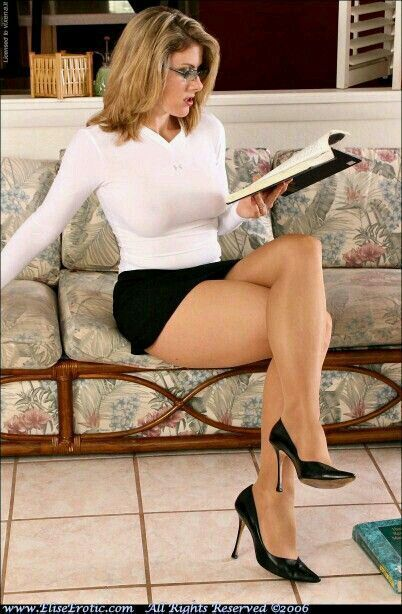 GM reccomend Legs in tan pantyhose