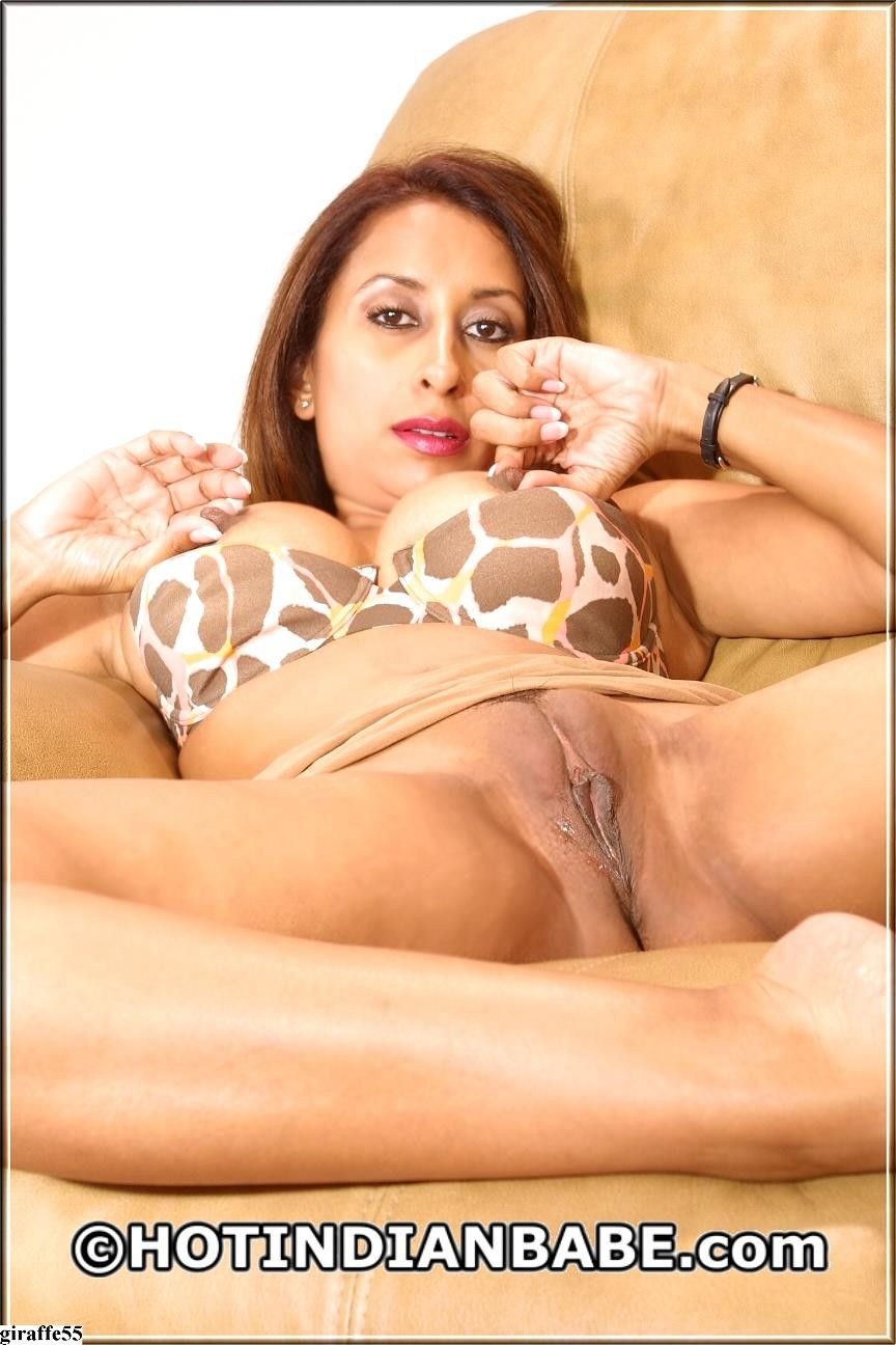 Busty jayde hot indian babe