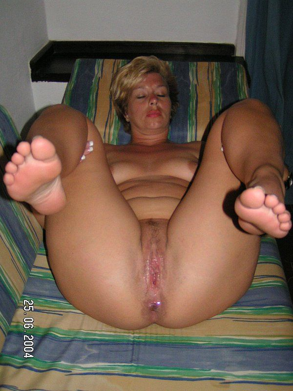 Oldie reccomend Mature housewife whores