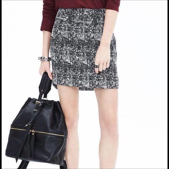 Black and white tweed skirt