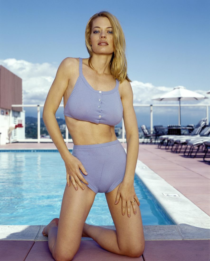 Squeaker reccomend Jeri ryan paparazzi and nude photos