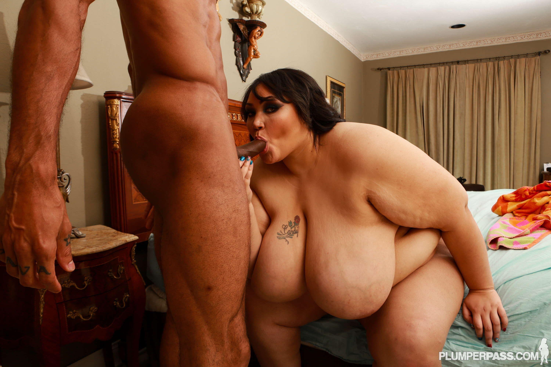 Girl gymnastic big breasts