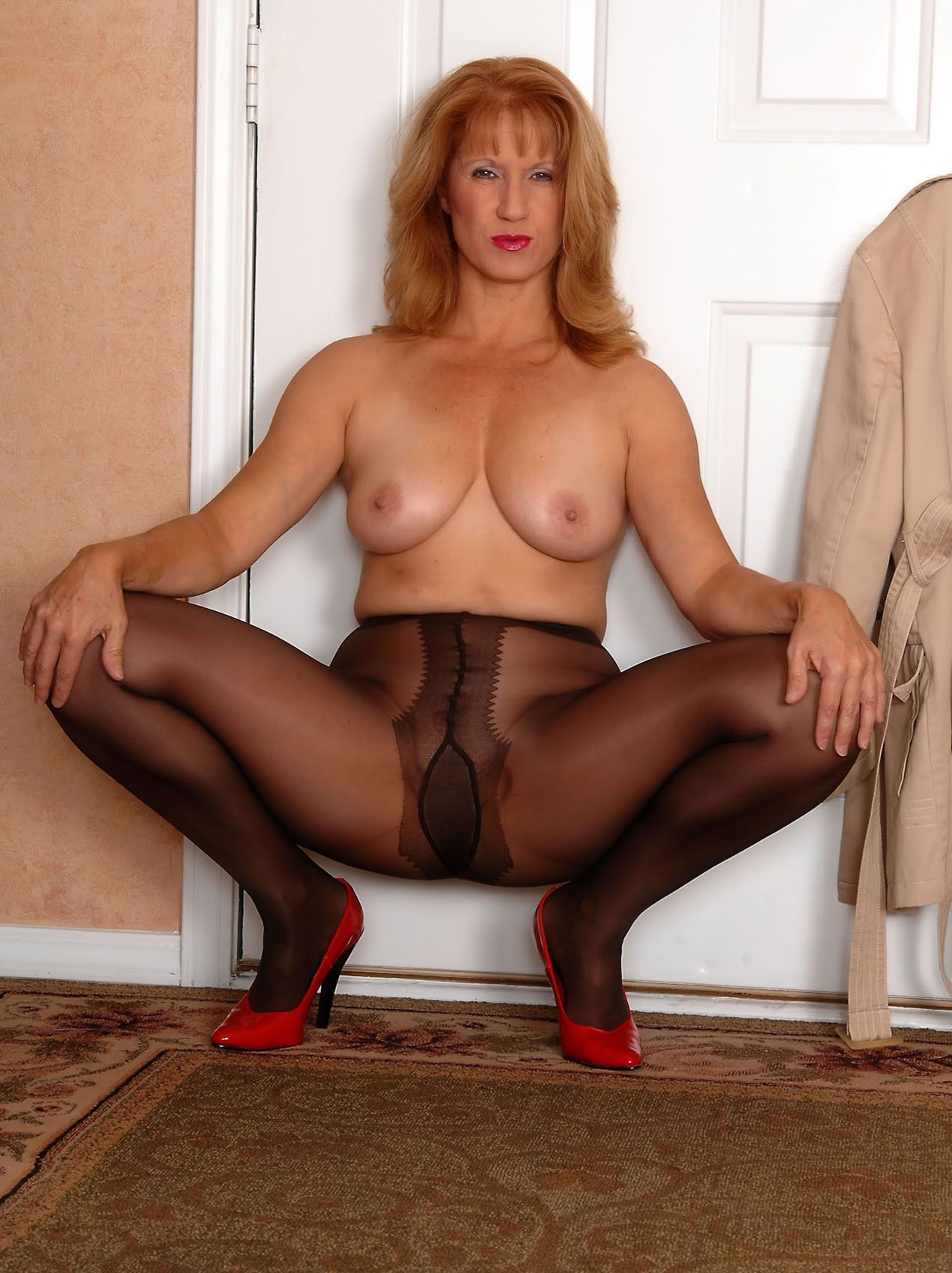 What plumper pantyhose free thumbs