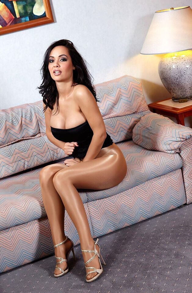 Jessica R. reccomend Beautiful mature women anal