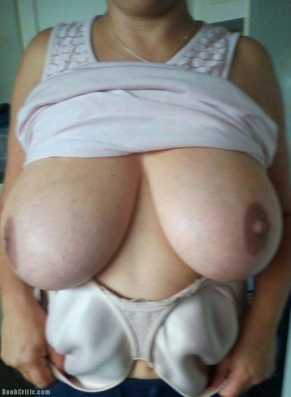 Huge hangin boob post