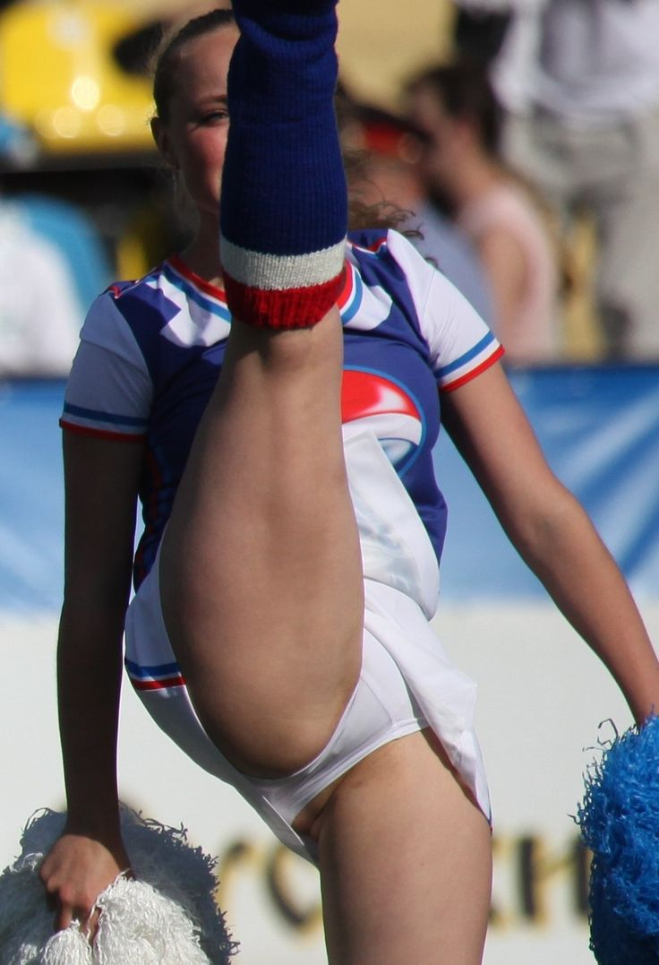 Cheerleader voyeur pics