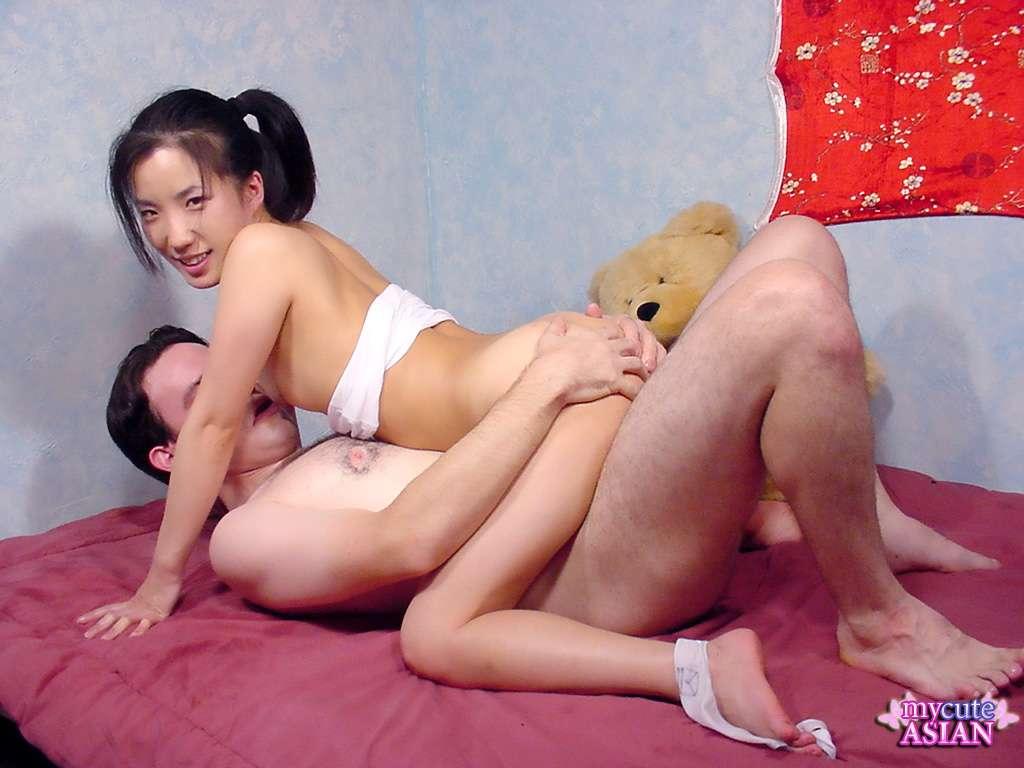 Binds slave and spanks Femdom