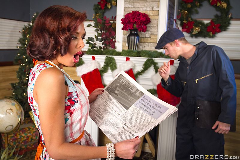 Veronica Avluv Squirting On Santa Free Video 18+ 2018