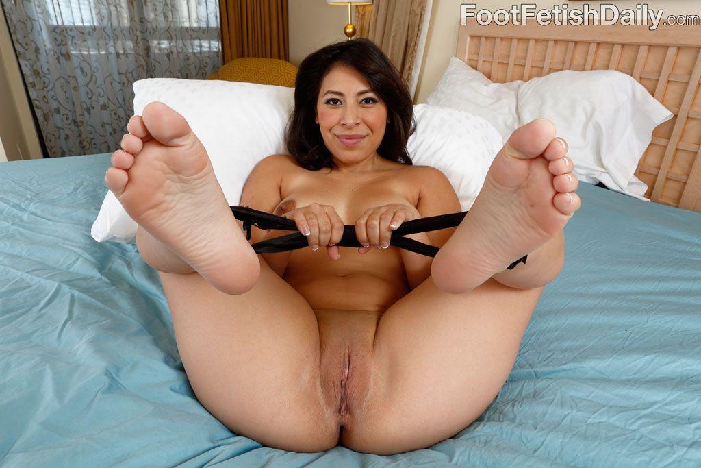 Latina feet fucking