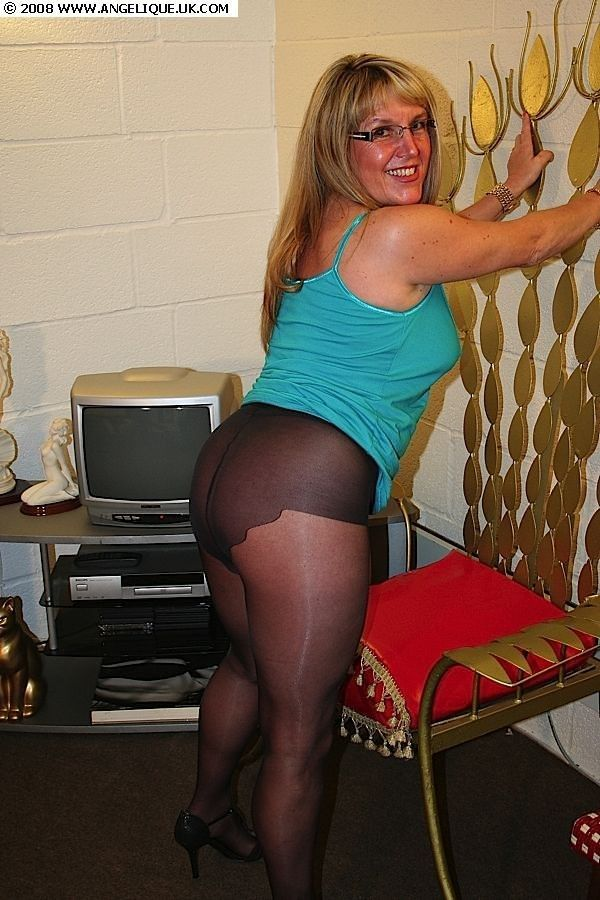 Amature nude pantyhose photos touching
