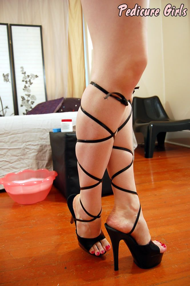feet in high heels fetish