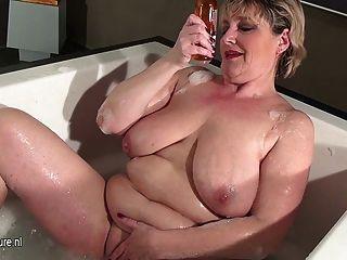 Saggy boob granny nude mom pics
