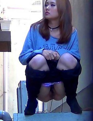 Japanese girls peeing galleries