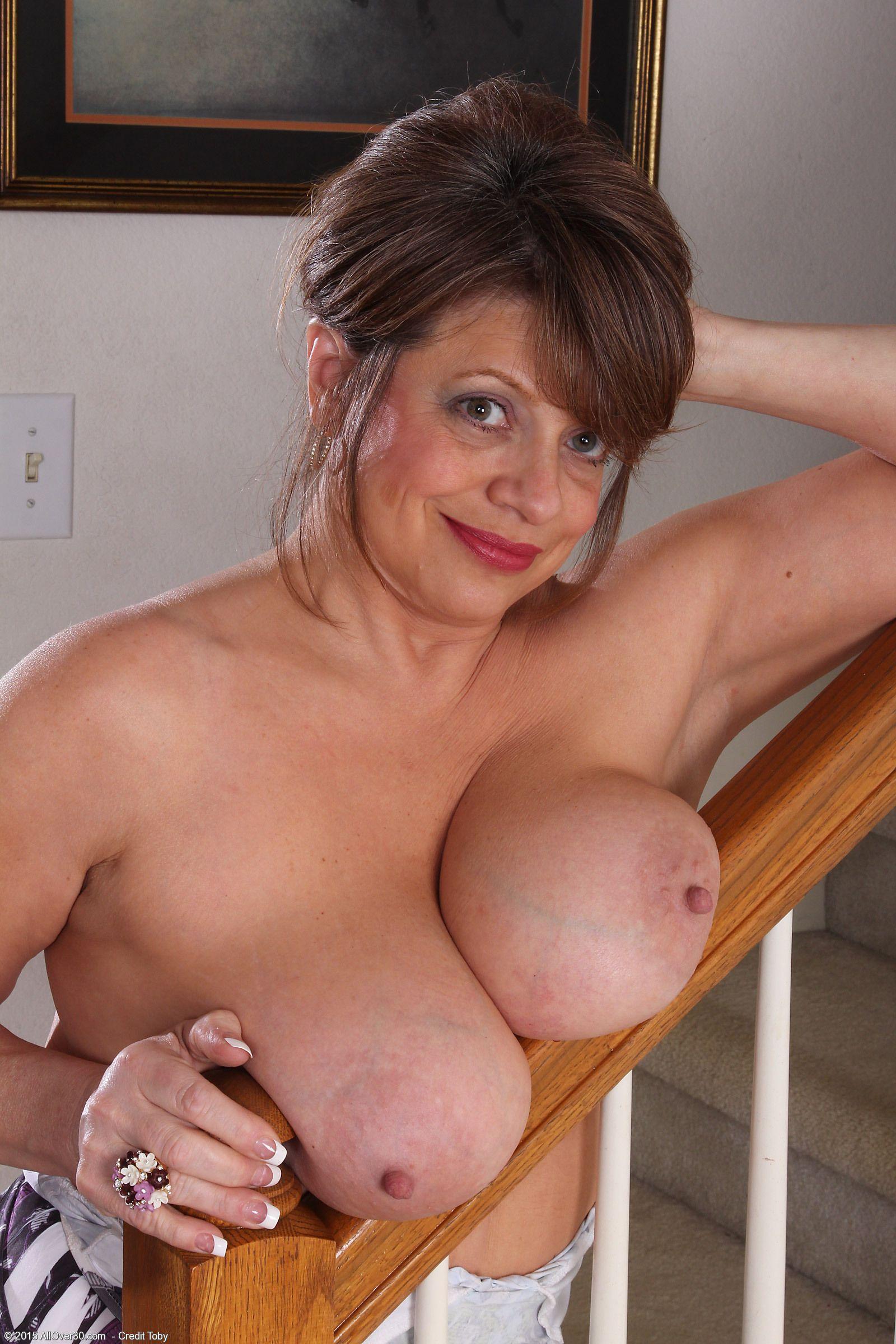 Mia kirshner nude videos