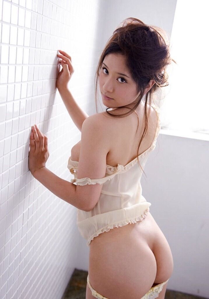 Asian bubble butt girl