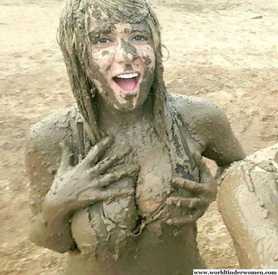 teens-muddy-nude