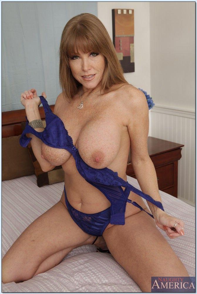 Big boob hose mature pantie