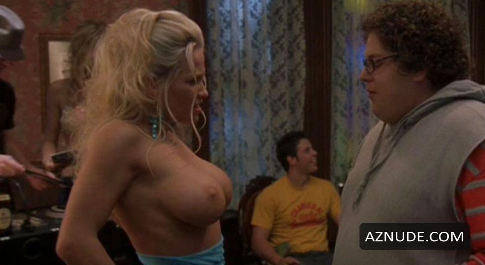Venus recommendet British wife threesome porn pics