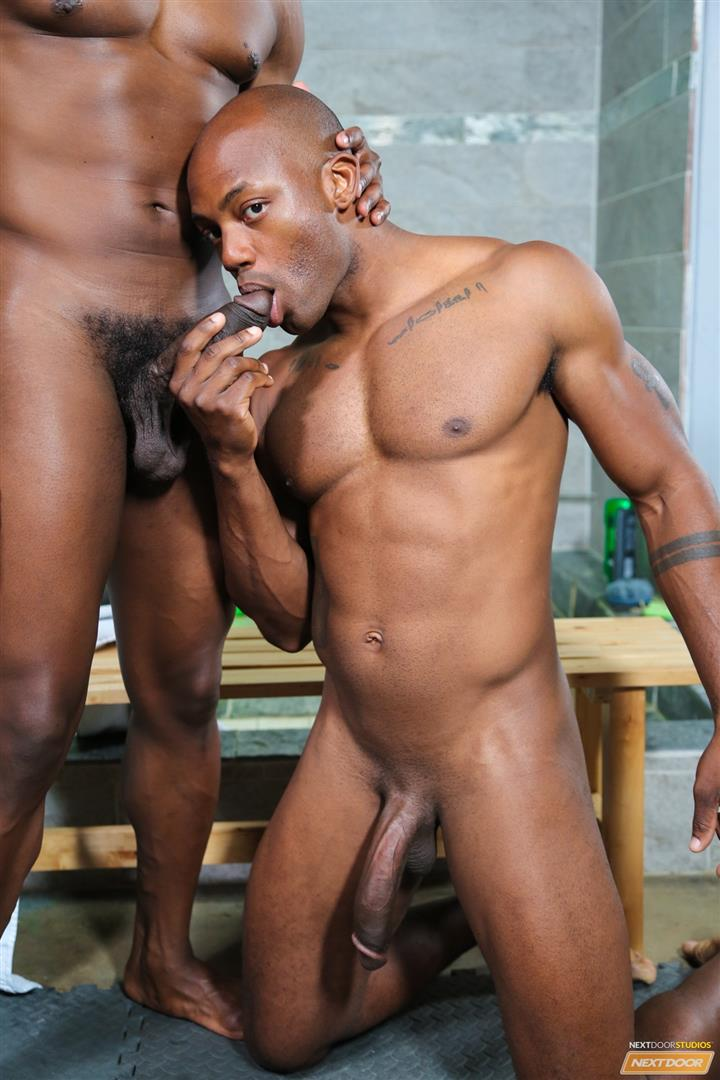 Muscle black guy fucks bbw