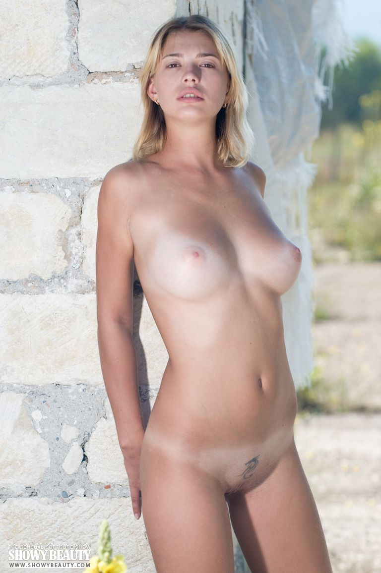Girls pretty nude russian