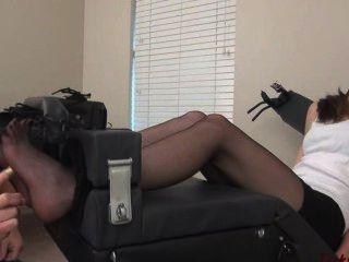 Luna reccomend Men pantyhose tickling
