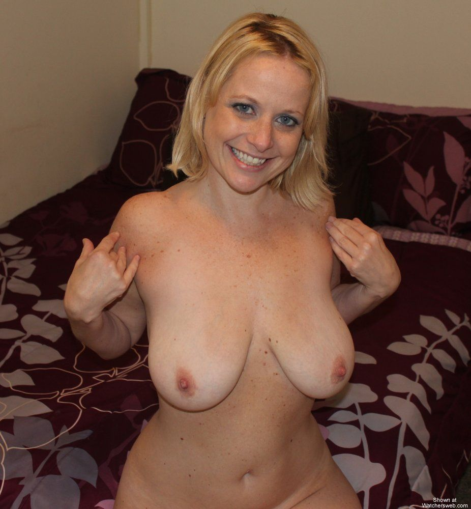 Free nude milf galleries