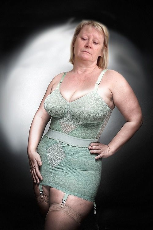 Mature bbw open bottem girdle
