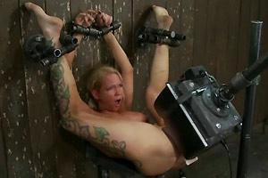 Chubby slut video