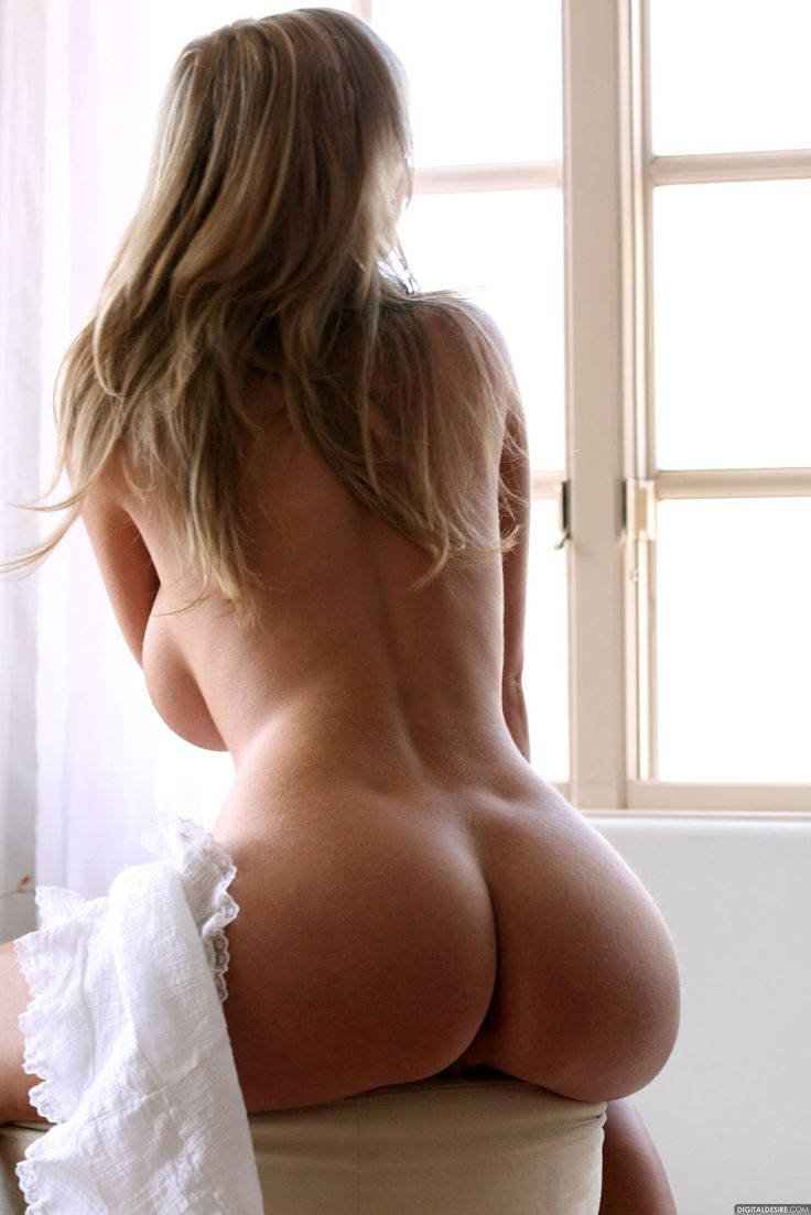 Home alone and wanting in Warsaw. Slender Alina 27yo. I am want private sex