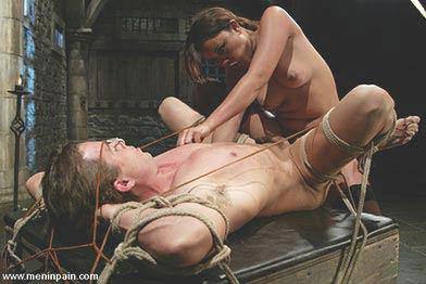 Females into male bondage