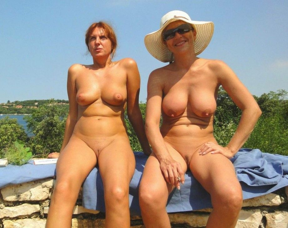 Quck reccomend Free nude milf vouyer pics