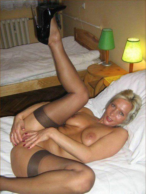 Stats reccomend Free pics pantyhose housewife