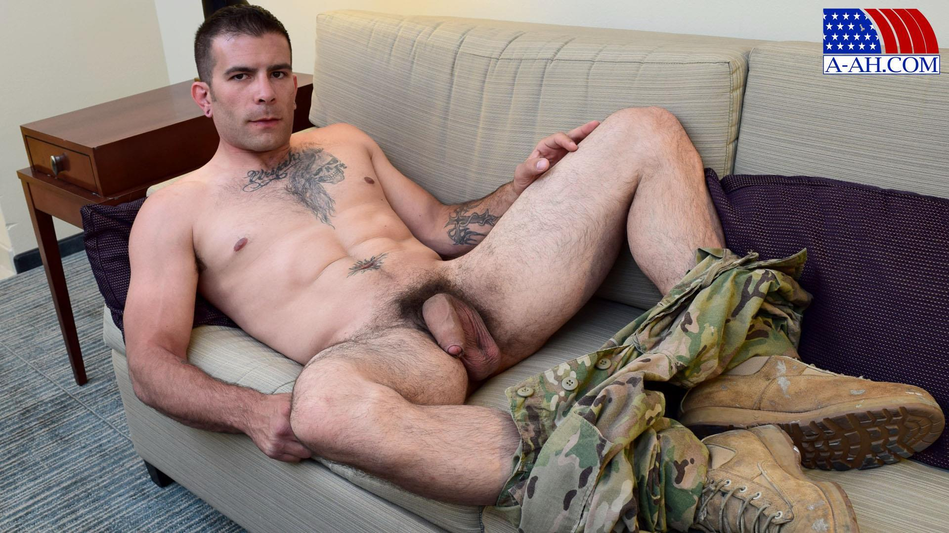 Sexy Gay Soldiers Cumming