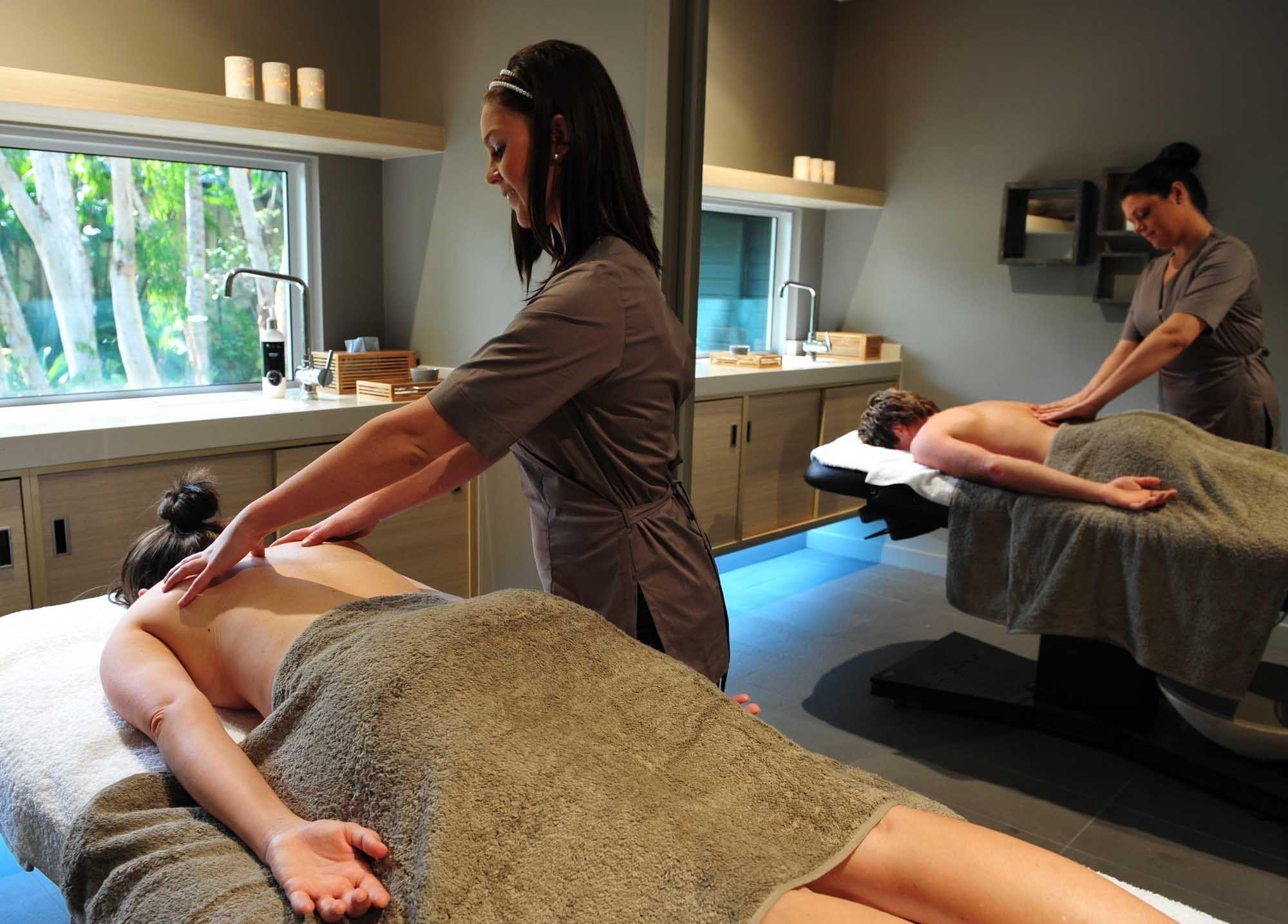 Tin M. reccomend Hamilton erotic massage for woman