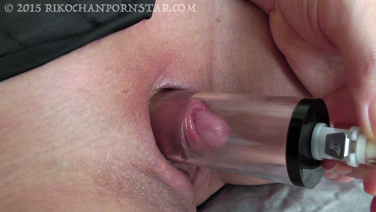 Huge clit pumping vids
