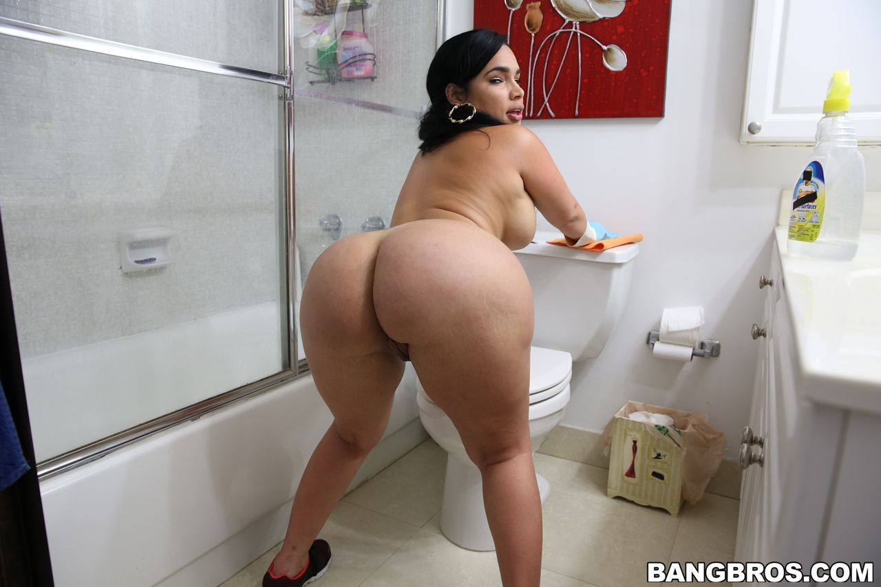 Shower sex with milf