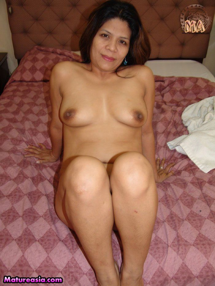 Velma from Scooby Doo nude
