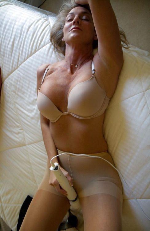 Mature pantyhose creampie