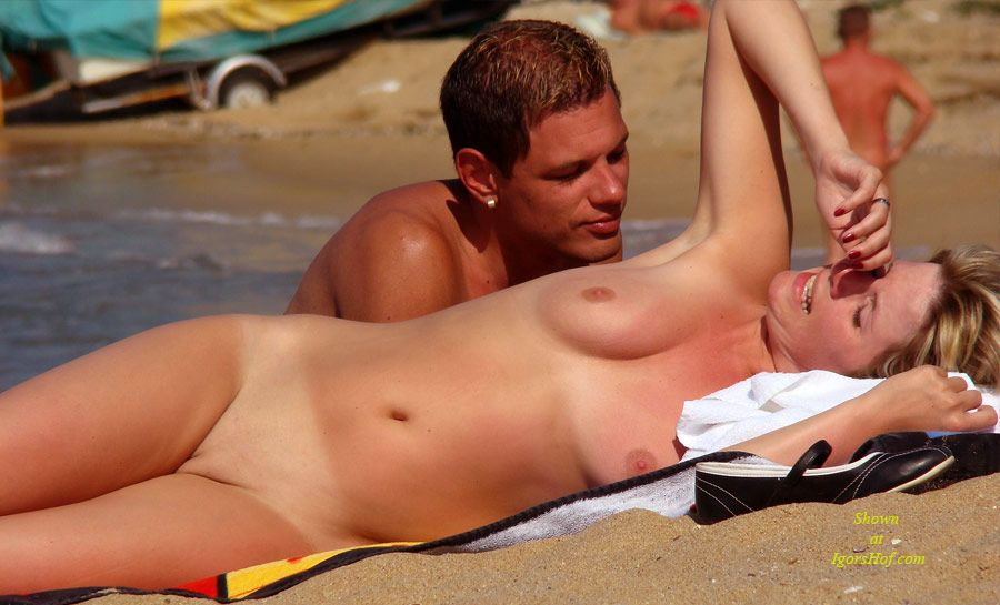 Free beach voyeur mpeg shall