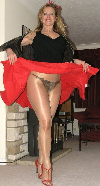 lady-pantyhose-best-upskirt-naked-pictures-of-ashley-judd