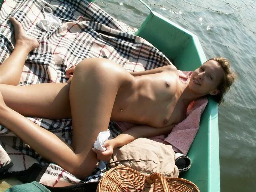 Outdoors nude girls